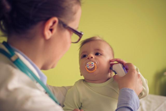 Baby bei der Ärztin