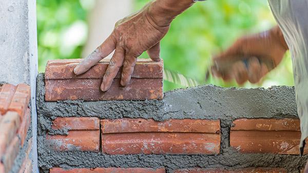 Mit dem Bausparvertrag für das eigene Heim sparen.