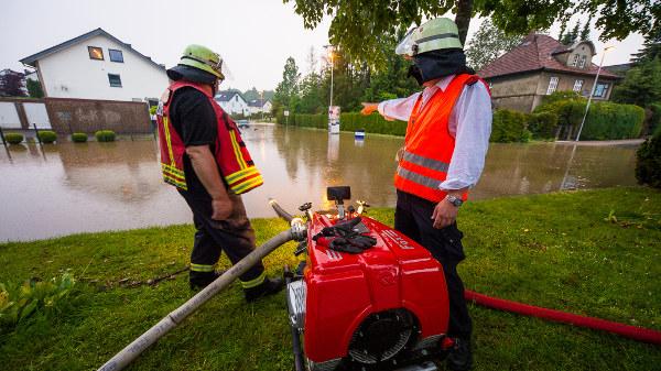 Überschwemmte Häuser in NRW.