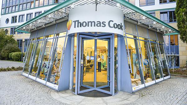 Außenansicht des Thomas Cook Reisebüros in Oberursel.