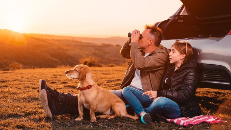 Vater, Tochter, Hund