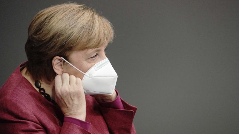 Merkel mit Maske