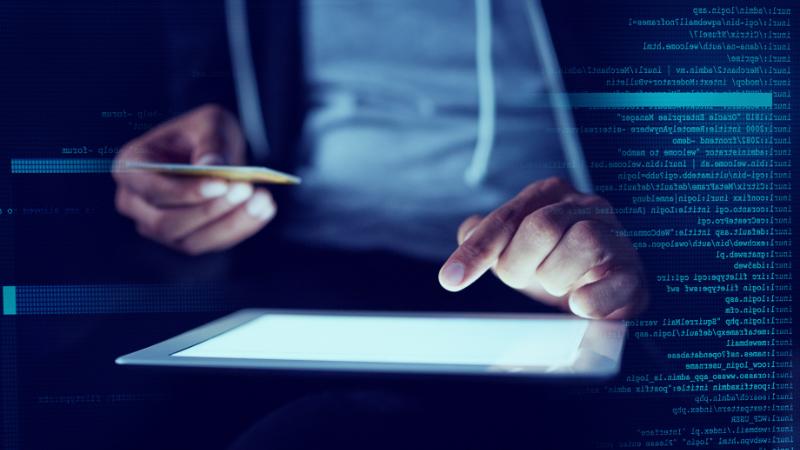 Hacker bei Kartenbetrug