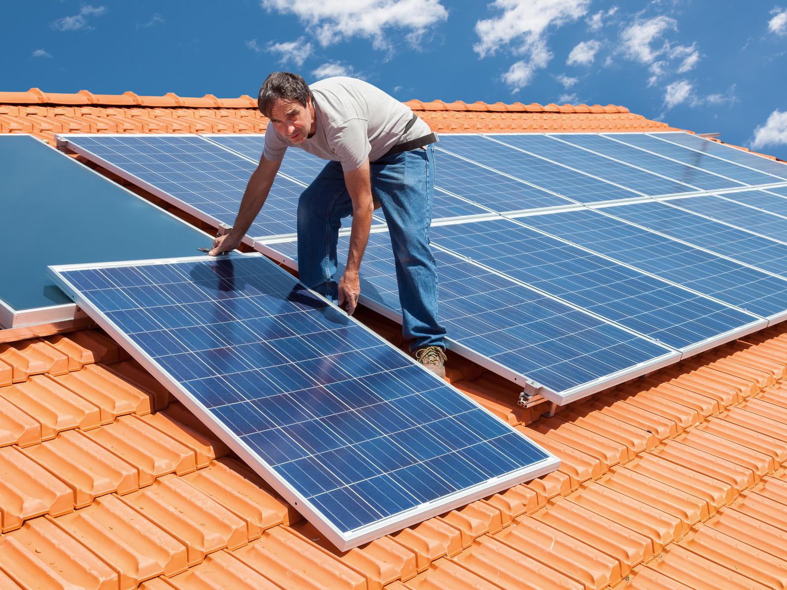 photovoltaik g nstiger strom durch eigene solaranlage. Black Bedroom Furniture Sets. Home Design Ideas