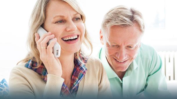 Ehepaar telefoniert