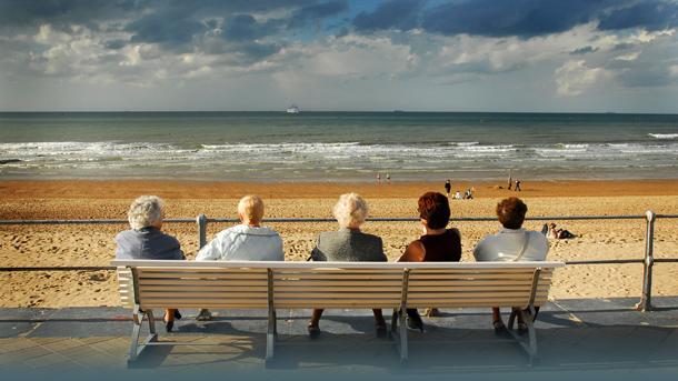 Blick aufs Meer von der Strandpromenade