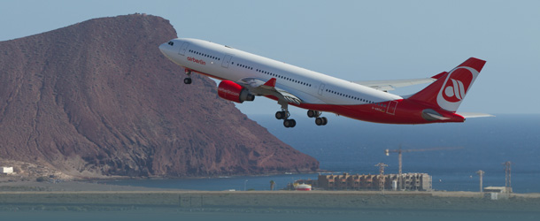 Air Berlin Flieger startet in Teneriffa