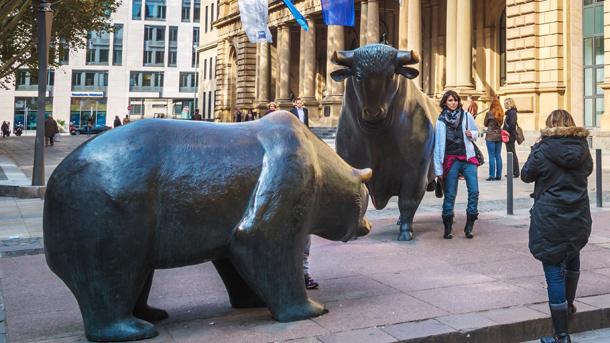 Bulle und Bär vor der Börse Frankfurt