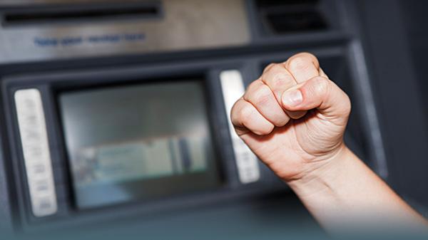 "Santanders ""1 Plus Visa Card"": Schlechte Karten am Auslandsautomaten"