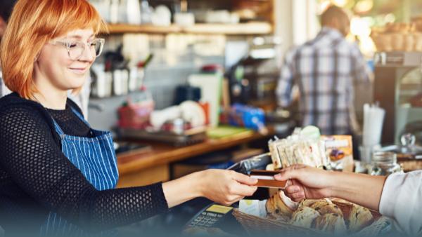 Mit Karte zahlen: Manche Banken verlangen bis zu 50 Cent Gebühren