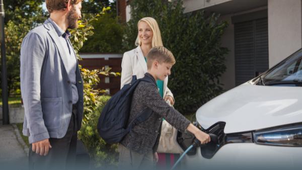 So lädst Du Dein E-Auto zuhause günstig auf