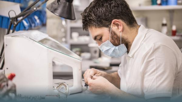 Zahnersatz: Höherer Zuschuss ab Oktober