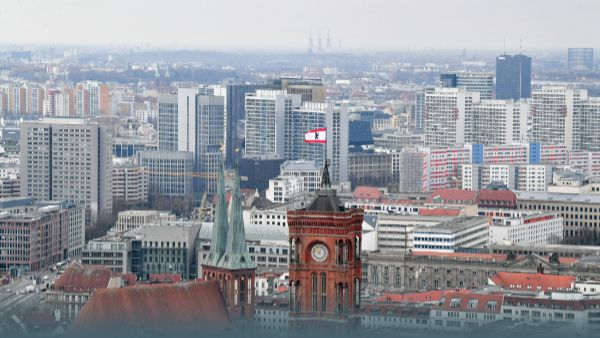 Berliner Mietendeckel ausgeweitet: So viel zahlst Du weniger