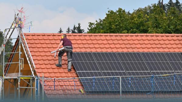 Photovoltaik: Wie Du die lästige Steuerpflicht loswirst