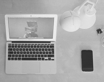 pc notebook und tablet von der steuer absetzen finanztip. Black Bedroom Furniture Sets. Home Design Ideas