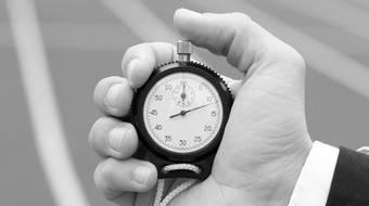Steuererklarung Frist Abgabefrist Fur Einkommensteuererklarung Bis Wann Abgabe Fristverlangerung Fristen Der Bearbeitungszeit Finanztip