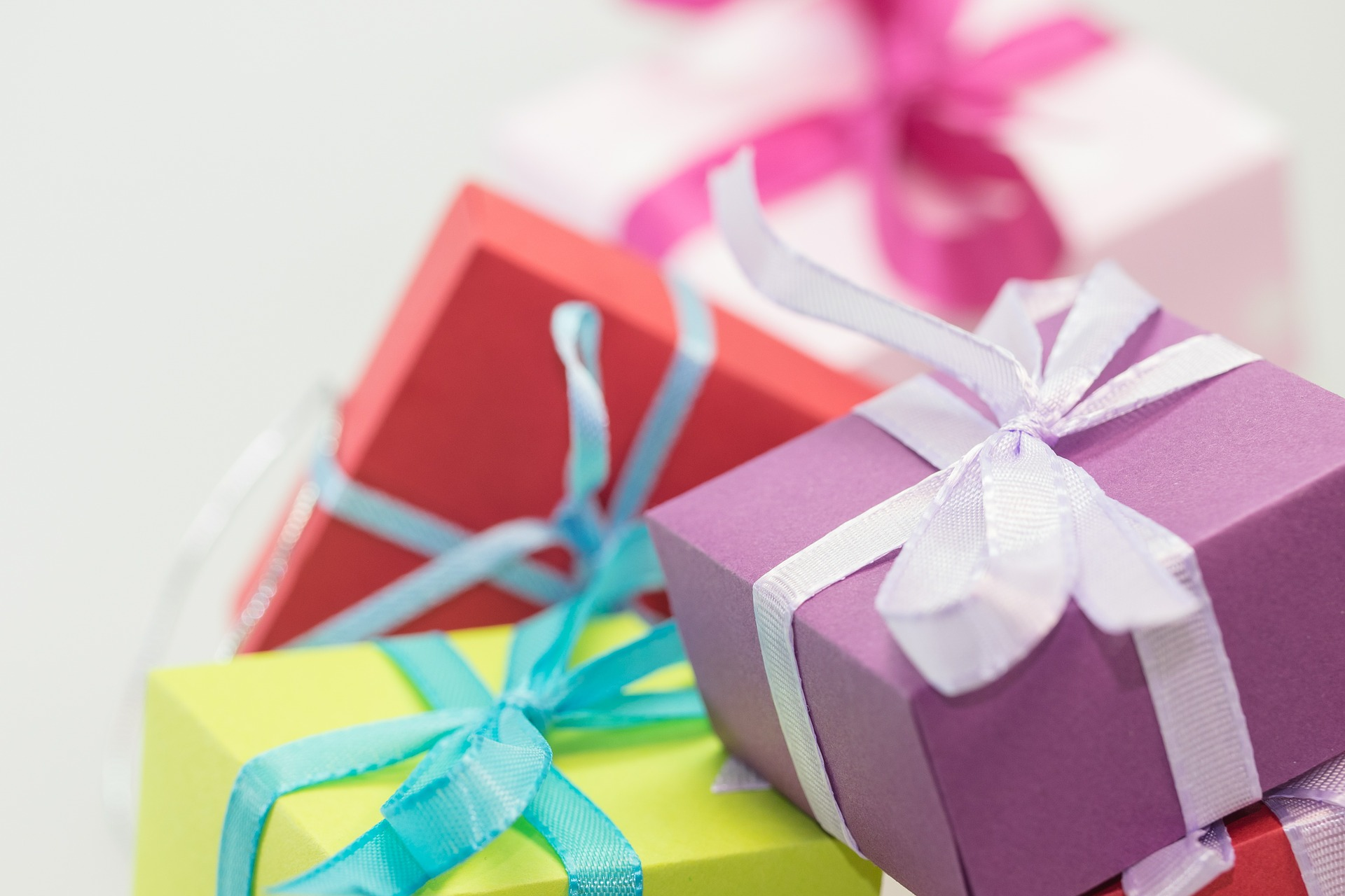 Geschenke an Mitarbeiter - Sachzuwendungen an Arbeitnehmer ...