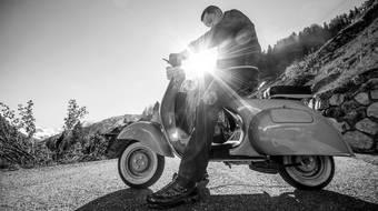 Gunstige Versicherung Fur Roller Mofa Oder Moped Bis Zu 50 Ccm